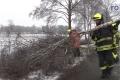 2018-02-03 10505 Marl Glaetteunfall PKW gegen Baum (NWM-TV) 07