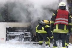 2018-01-20 10462 Wetschen Feuer in Bus (NWM-TV) 09